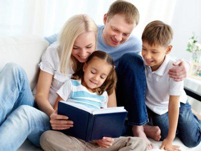 5 comportamente care indeparteaza copiii