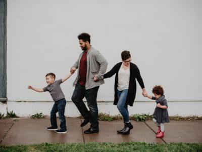 10 obiceiuri negative de care familia ta trebuie să scape